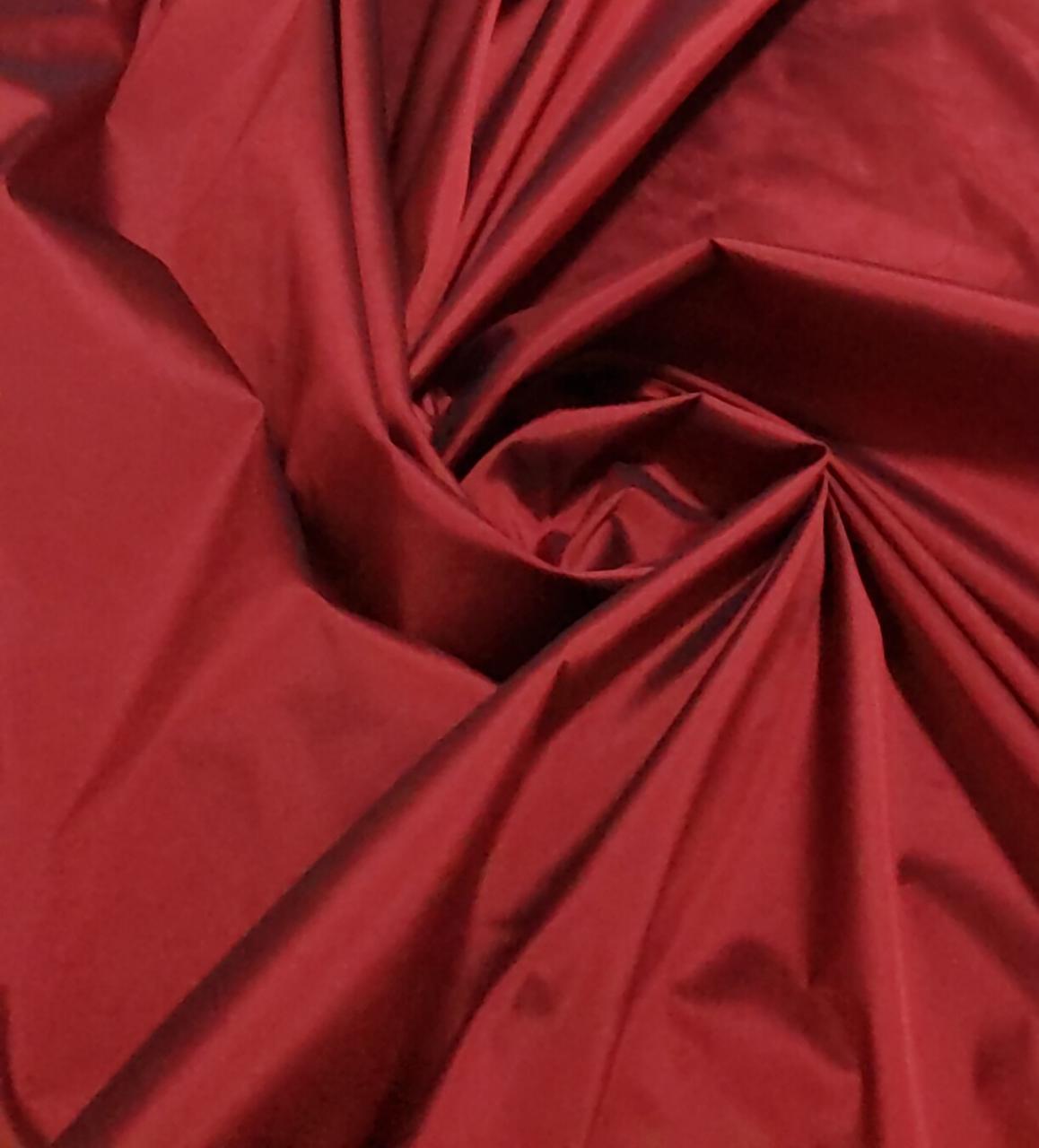 Tafetá Indiano Toque de Seda Vermelho Escuro