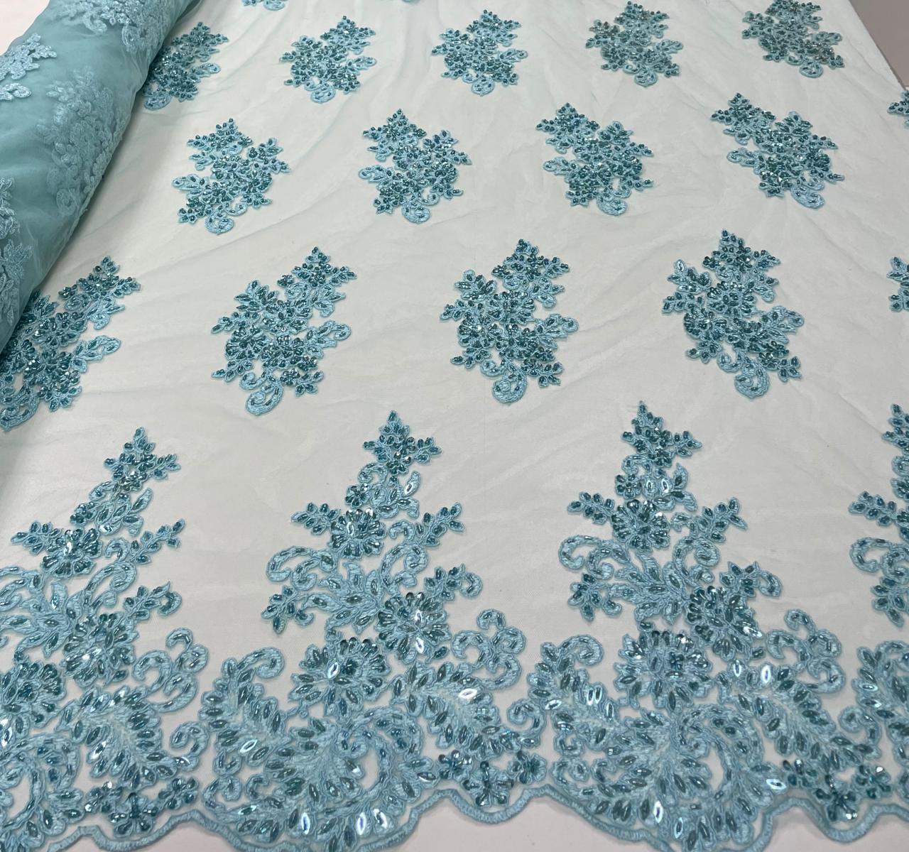 Tule Bordado Azul Piscina com Pedrarias Modelo 02